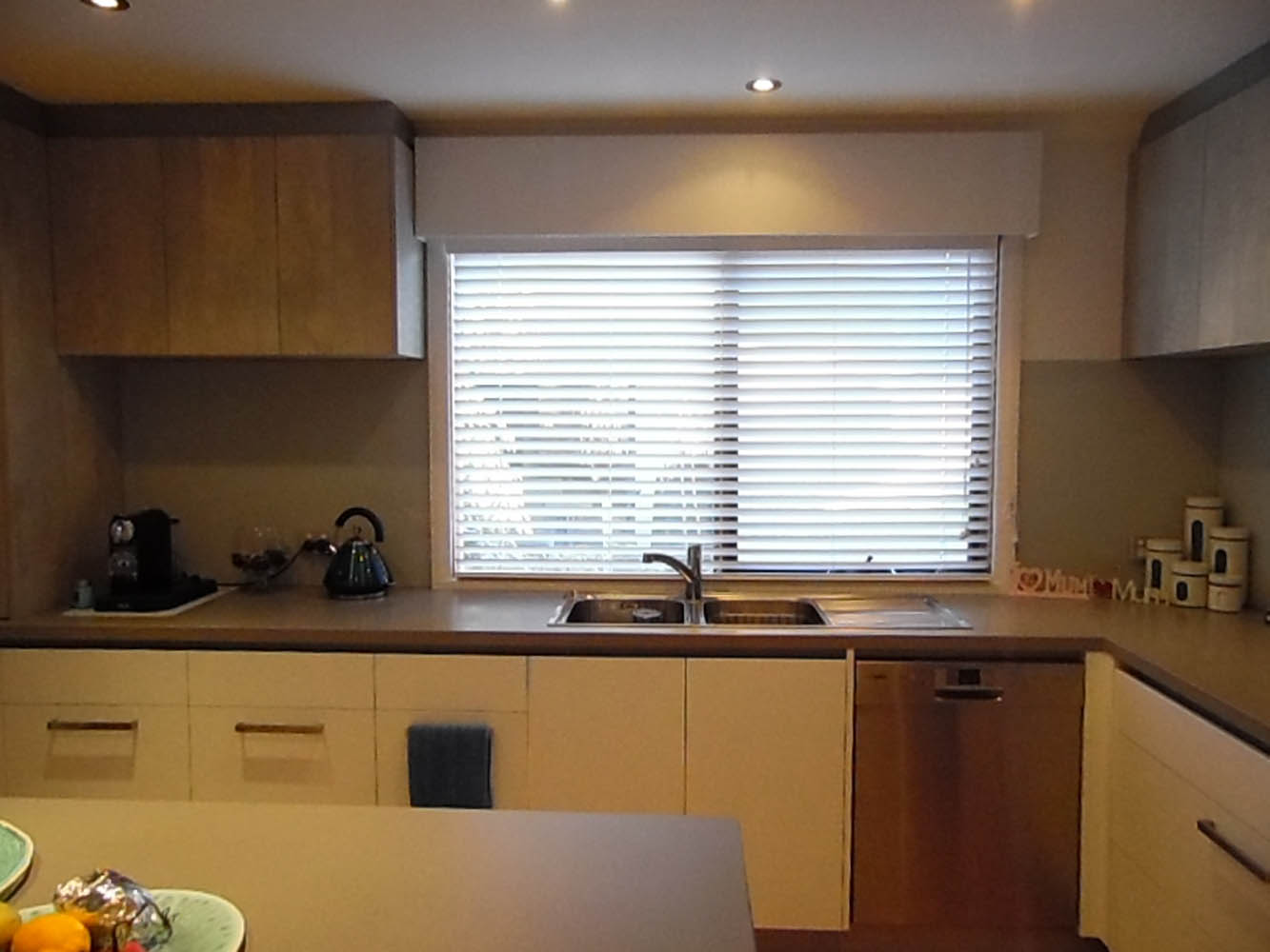 Torquay Kitchen White Venetian Blinds