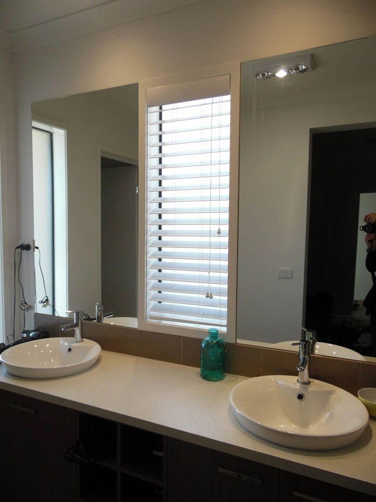 White Bathroom Venetian Blinds Project in Kalkallo