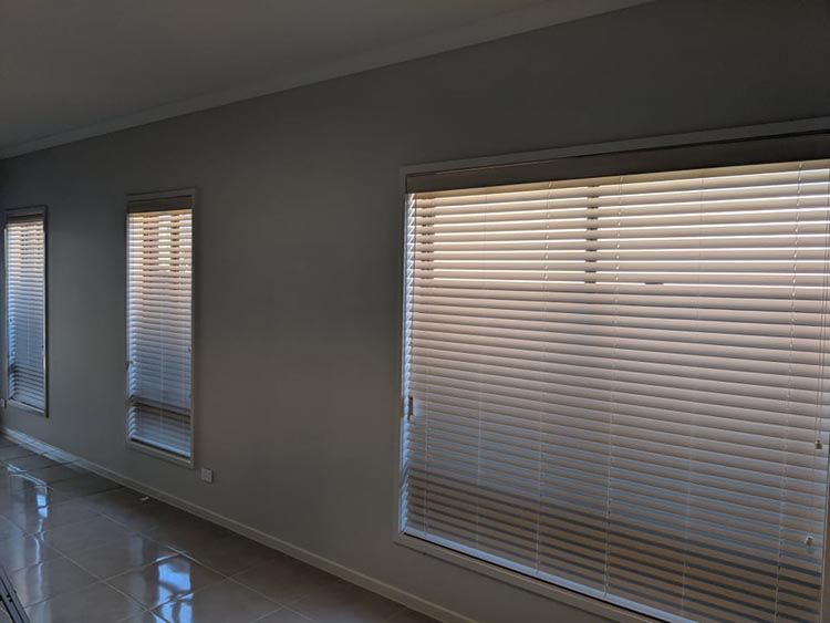 Custom Made to Measure Venetian Blinds